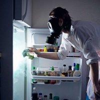 Как избавиться от неприятного запаха в холодильнике?